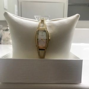 GORGEOUS GOLD GUESS WATCH NWT